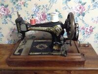 Vintage Singer Sewing Machine + original case only £15 for quick sale tel Liz on 07933 398348