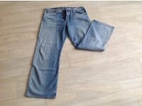 Mens LEVI 542, good condition