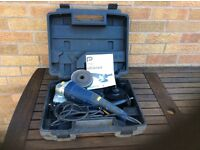 Pro 1200w Angle grinder c/w carry case and 4 disks