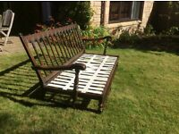 Ercol old colonial 3 seat sofa. Webbing needs replaced but otherwise in sound condition.