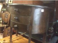 Rounded shaped chest of drawers