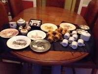 Lot of Royal Worcester and Palissy pottery, 30 pieces total all for £25.00