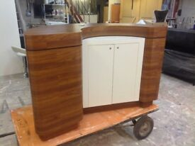 Reception/bar counter