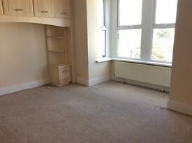 FURNISHED DOUBLE ROOMS 2 WITH EN-SUITES. ALL BILLS INCLUDED 10MINS FROM STATION