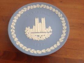 1977 Jasper Blue Wedgewood Commemorative Christmas Plate