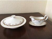 Royal Doulton, vegetable tureen and souce boats