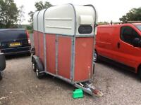 Ritchardson horse trailer good condion front end load