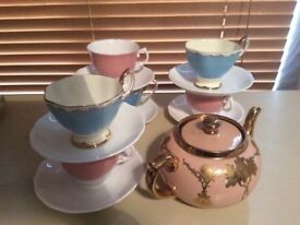 Vintage teapot cups and saucers