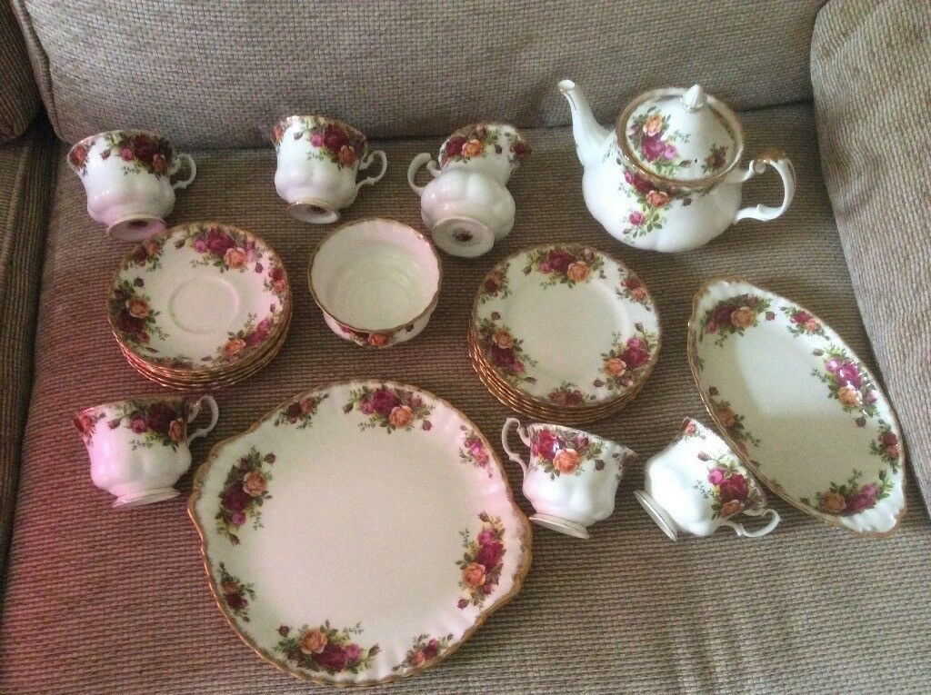 Royal Albert Old Country Roses tea set, vintage