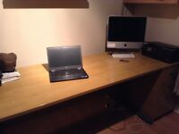 Excellent condition office desk and 2 sets of drawers