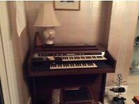 HAMMOND ORGAN - hardly used but older style