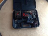 Bosch 2 piece set 18 volt cordless drill and torch