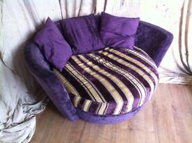 Fama love seat