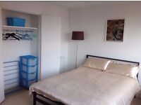 FLAT SHARE IN HAMMERSMITH