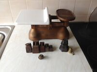 Vintage kitchen scales. W&T Avery.With lb and gram weights