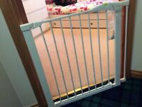 Child safety gate good condition