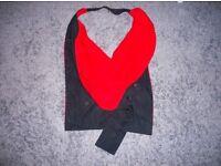 Academic hood, oxford black red