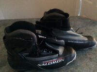 Saloman cross country ski boots size 10