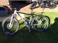 Trek 6500 mountain bike / top spec components / shimano XT / Rock shock reba forks with remote lock