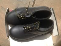 Brand New Unisex Steel toecap Shoes size 7
