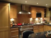 Oak Shaker Style Fitted Kitchen and Appliances