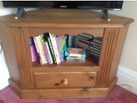 TV UNIT IN ANTIQUE PINE
