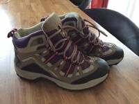 Nearly new hiking boots size 3