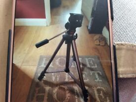 Heavy duty camera tripod stand