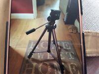 Heavy duty camera tripod stand