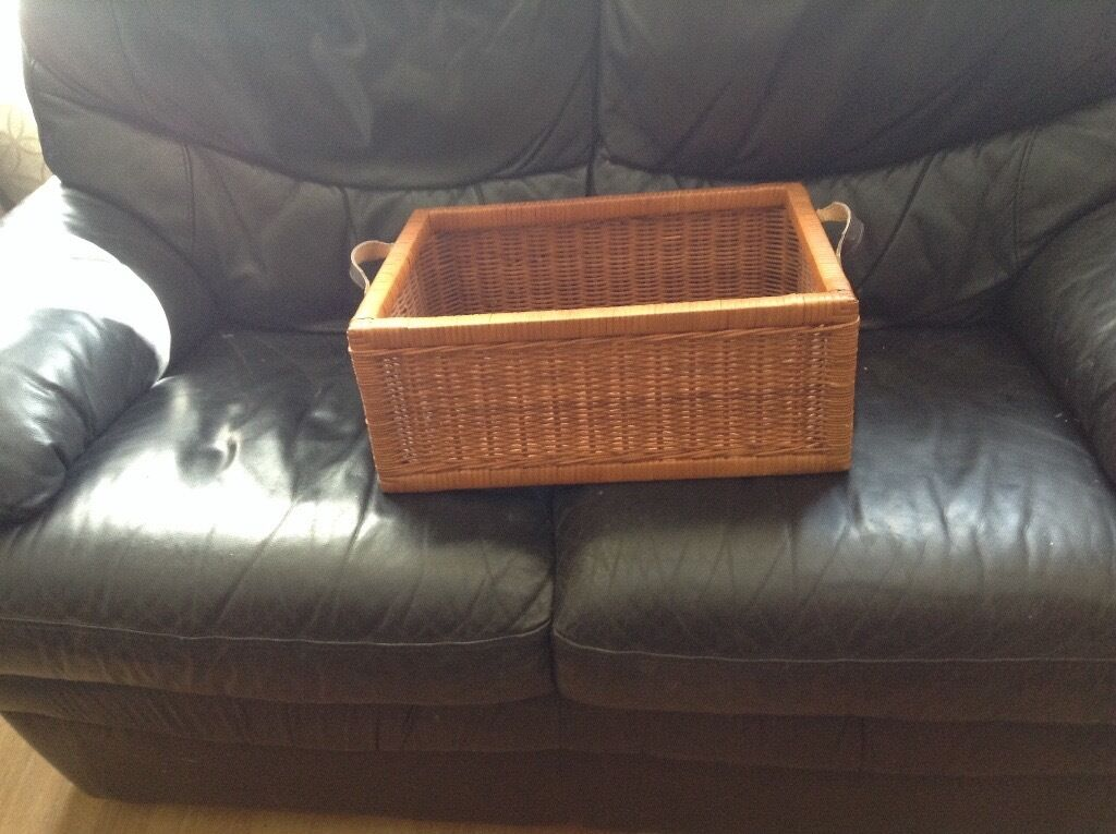 Wicker basketin Bangor, County DownGumtree - Wicker basket with leather trim handles great for storage or for making a lovely hamper selling for 7 Pounds Ono