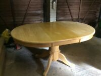 Exstendable Dining Table.... Tisbury
