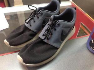 Men's Nike Sneakers size 11.5 (sku:FYLY8W)