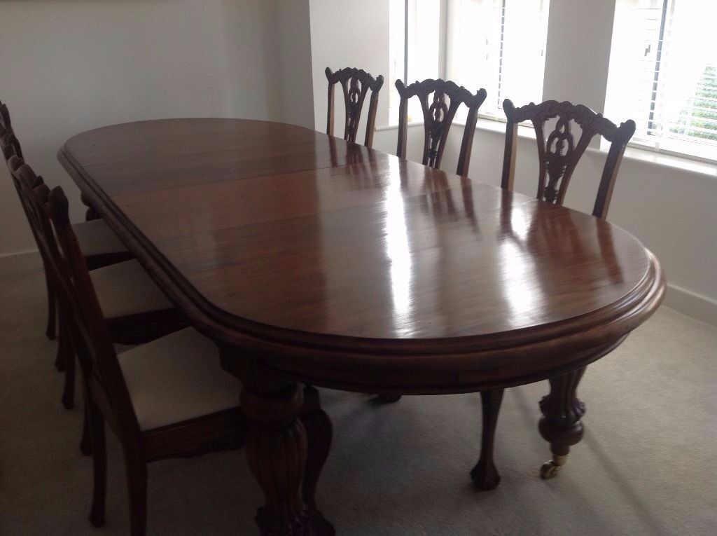 SOLID MAHOGANY TABLE 6 CHAIRS