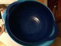 Two large mixing bowls and a joseph joseph colander - very good condition
