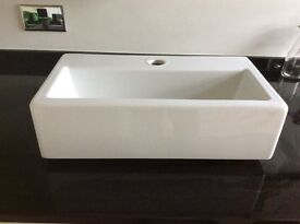 Bathroom sink basin