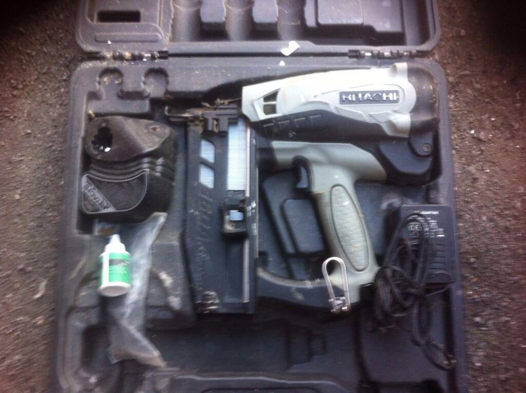 hitachi 2nd fix. hitachi 2nd fix nail gun. no batteries. c
