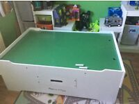 Melissa and Doug play table excellent condition
