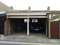 DOUBLE GARAGE TO LET WITH SIDE ENTRANCE