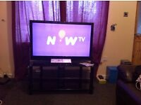 "42""finlux 3d led tv and black glass stand"