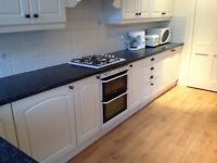 FREE large integrated kitchen Crown Imperial, cream shaker, oven, hob, fridge, laminate worktops
