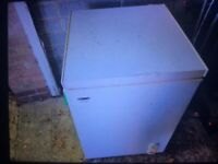 Chest freezer small size with basket and fast freeze in good working order
