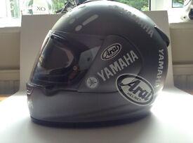Arai chaser motorbike helmet size M Yamaha decals