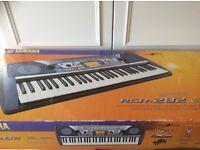 Yamaha PSR282 electronic keyboard