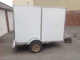 Box Trailer 7,6 ft L X 4ft W X 5ft H