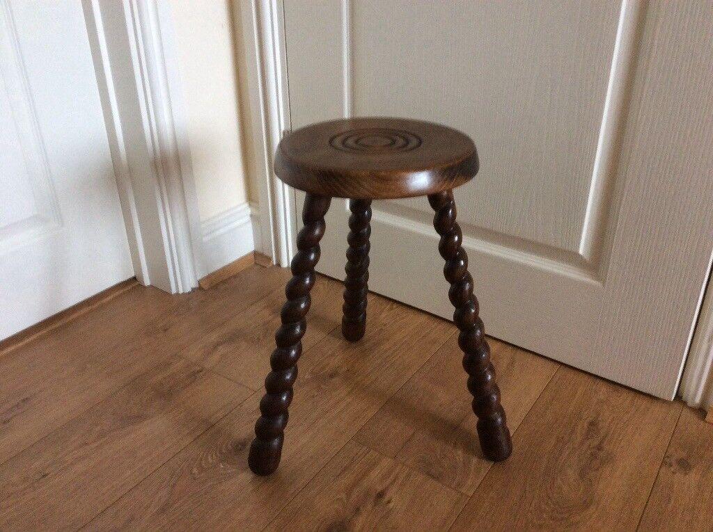 French 3 legged stool