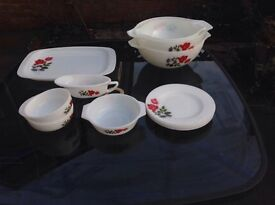 Collection of Pyrex - June Rose