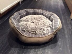 Petface oval dog /cat bed.
