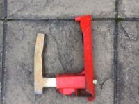 Wheel clamp for caravan
