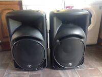 SRM 450 v2 Powered Speakers x 2 Running Man (Mackie). Plus Stands.