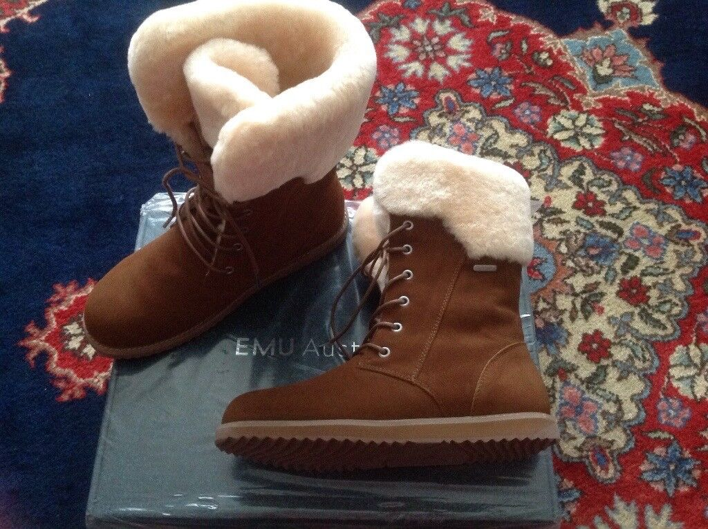 4082b4ef6b4 EMU AUSTRALIAN LUXURY SHEEPSKIN BOOTS. Size 7. Brand New in Box. Cost £169  will sell for just £115 | in Pennington, Hampshire | Gumtree